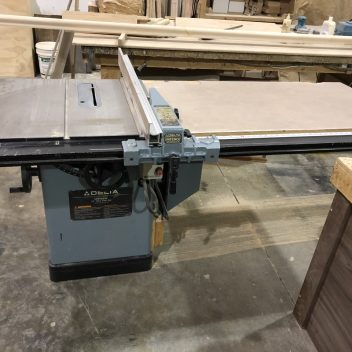 Delta 34-457 Table Saw